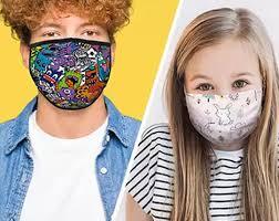 Se laver les mains, porter un masque dans les lieux clos, nettoyer au savon régulièrement les surfaces de contact suffit à maintenir une bonne hygiène pour lutter contre le Covid19
